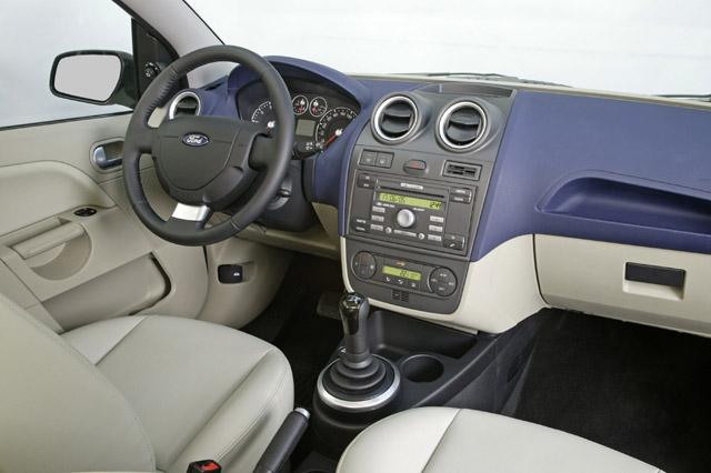 LED indicador de portas abertas Mk6B sedan no painel. Fiesta3